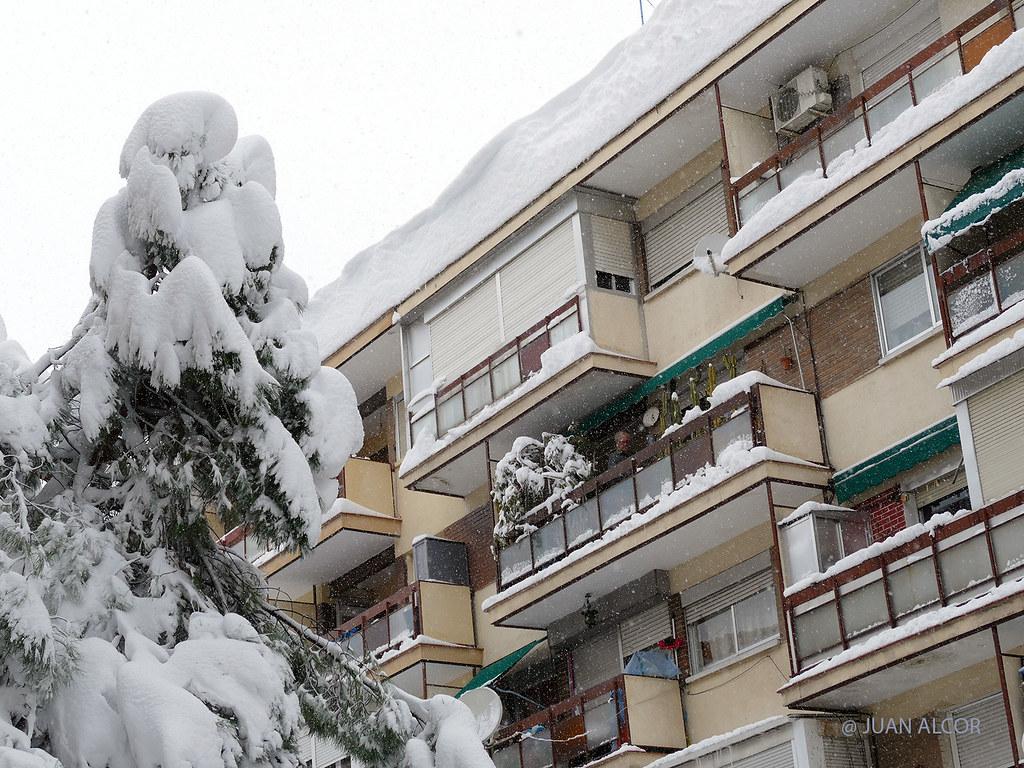 Temporal de Nieve Filomena-Cornisa (Alcorcón, Madrid)