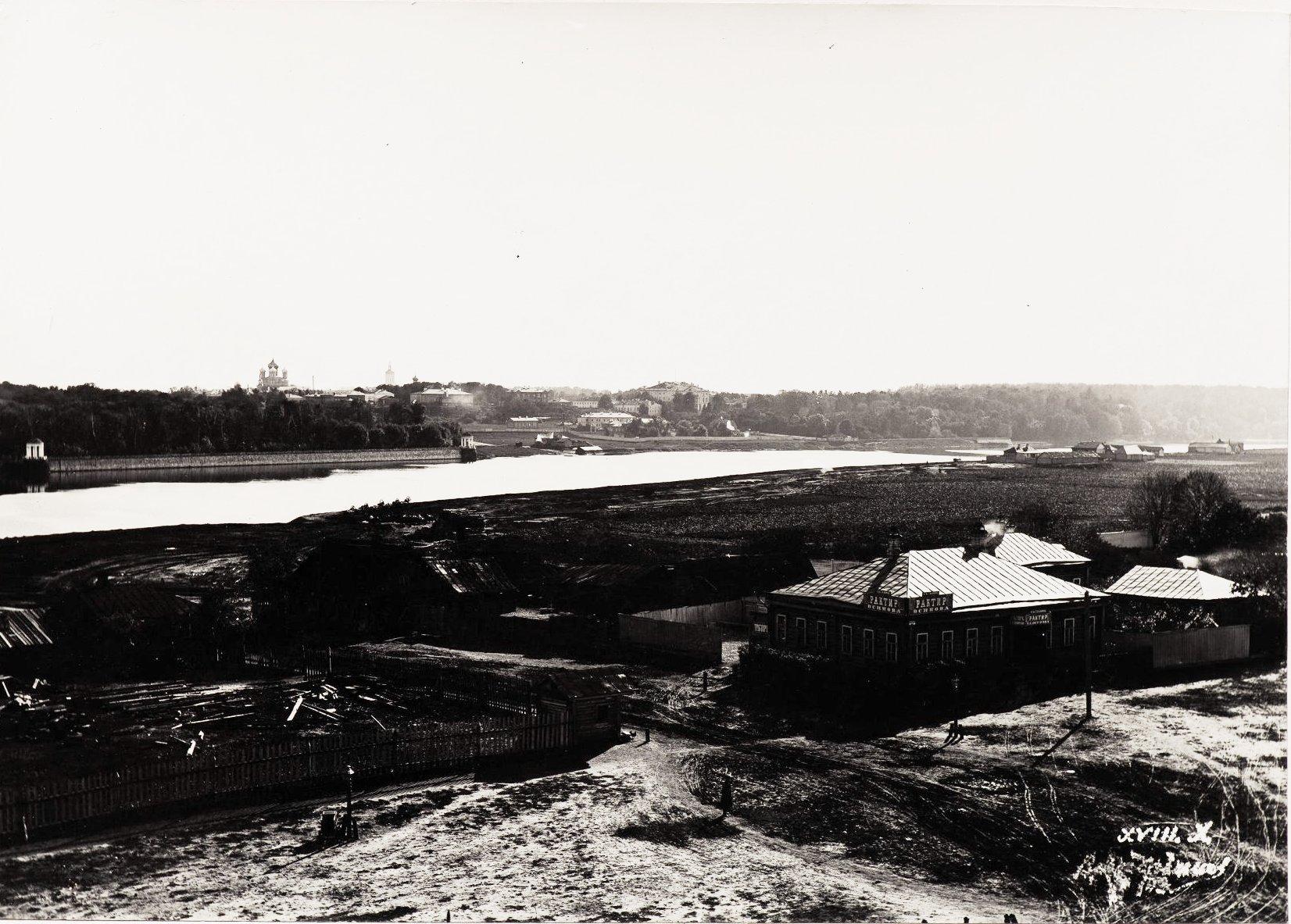 Вид на Нескучный сад из-за Москвы-реки со стороны Лужников.  1900-е