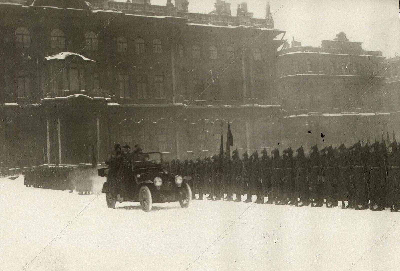 1918-1922. Парад частей Красной Армии на площади Урицкого