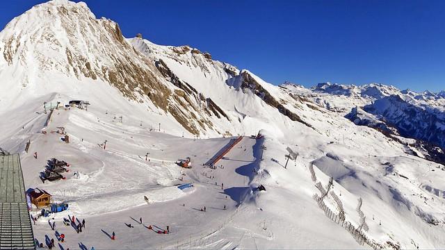 Suisse, les piste de ski sont toujours ouverte en Suisse ici sur Anzère le Wildhorn