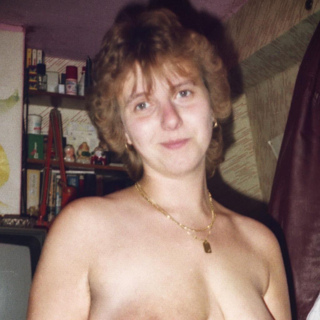 Nackt manuela Brit Manuela