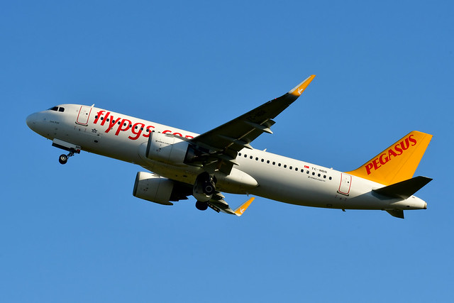 TC-NBR A320-251N cn 8136 Pegagus Airlines 210109 Schiphol 1001