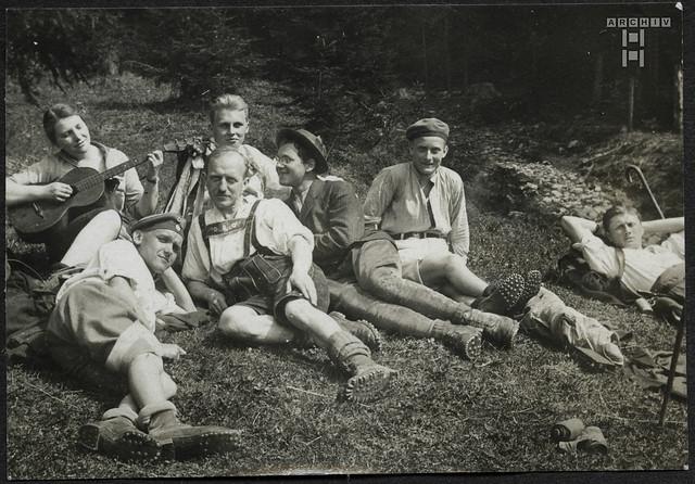 ArchivTappen2AAl2d430 Wanderer, Rast, Fotoalbum, 1900-1930er