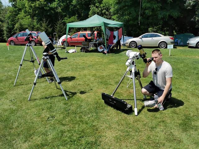 VCSE - Pósa Péter napmegfigyelést végez - Fotó: Ágoston Zsolt