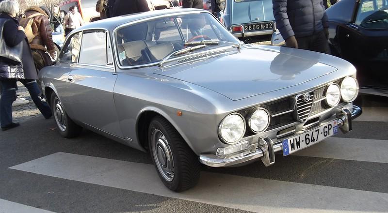 Alfa Romeo GTV 1750 S1 Bertone -  Paris Vauban Janvier 2021  50820972381_7a2e002327_c