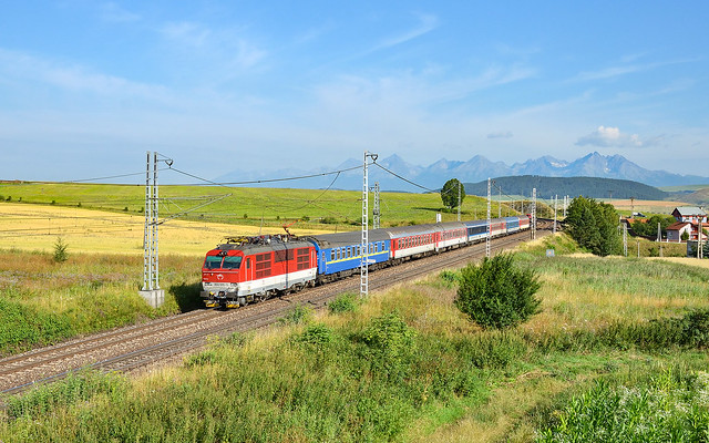 The trains have changed but the mountains are still the same - 350 011