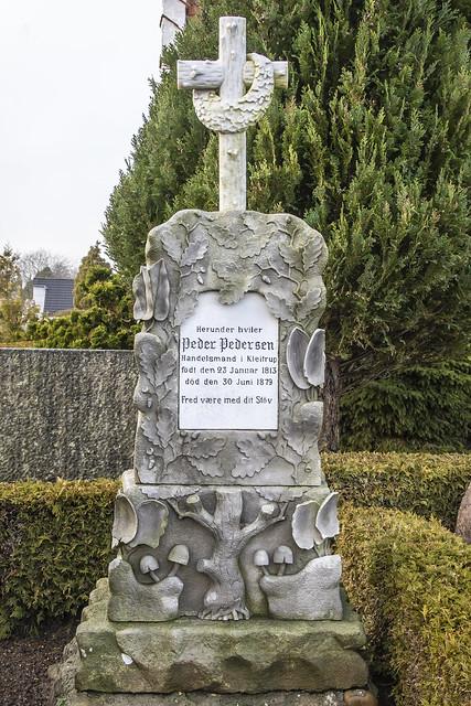 Handelsmand Peder Pedersens gravsten 2