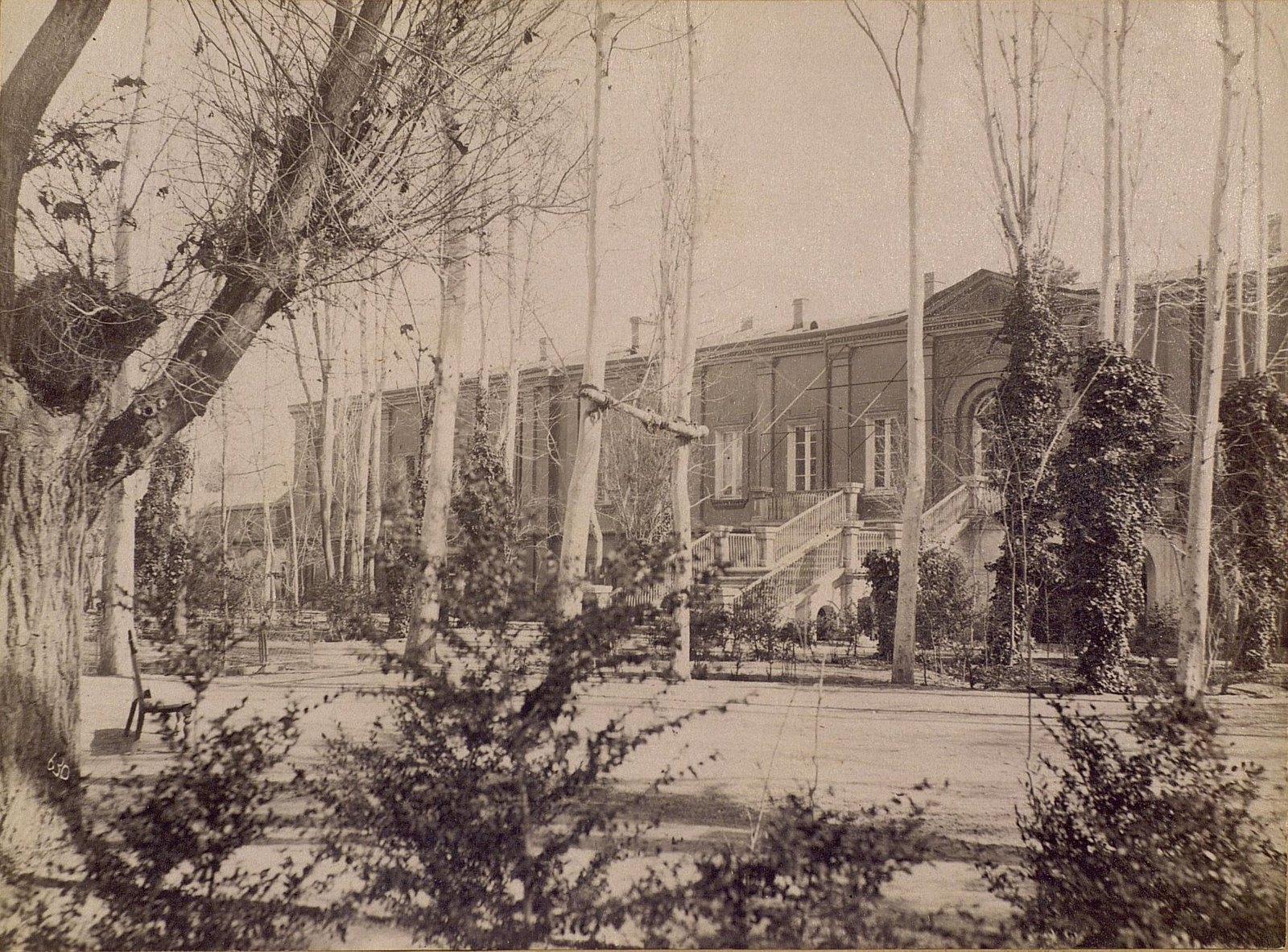 Здание русской миссии в Тегеране.