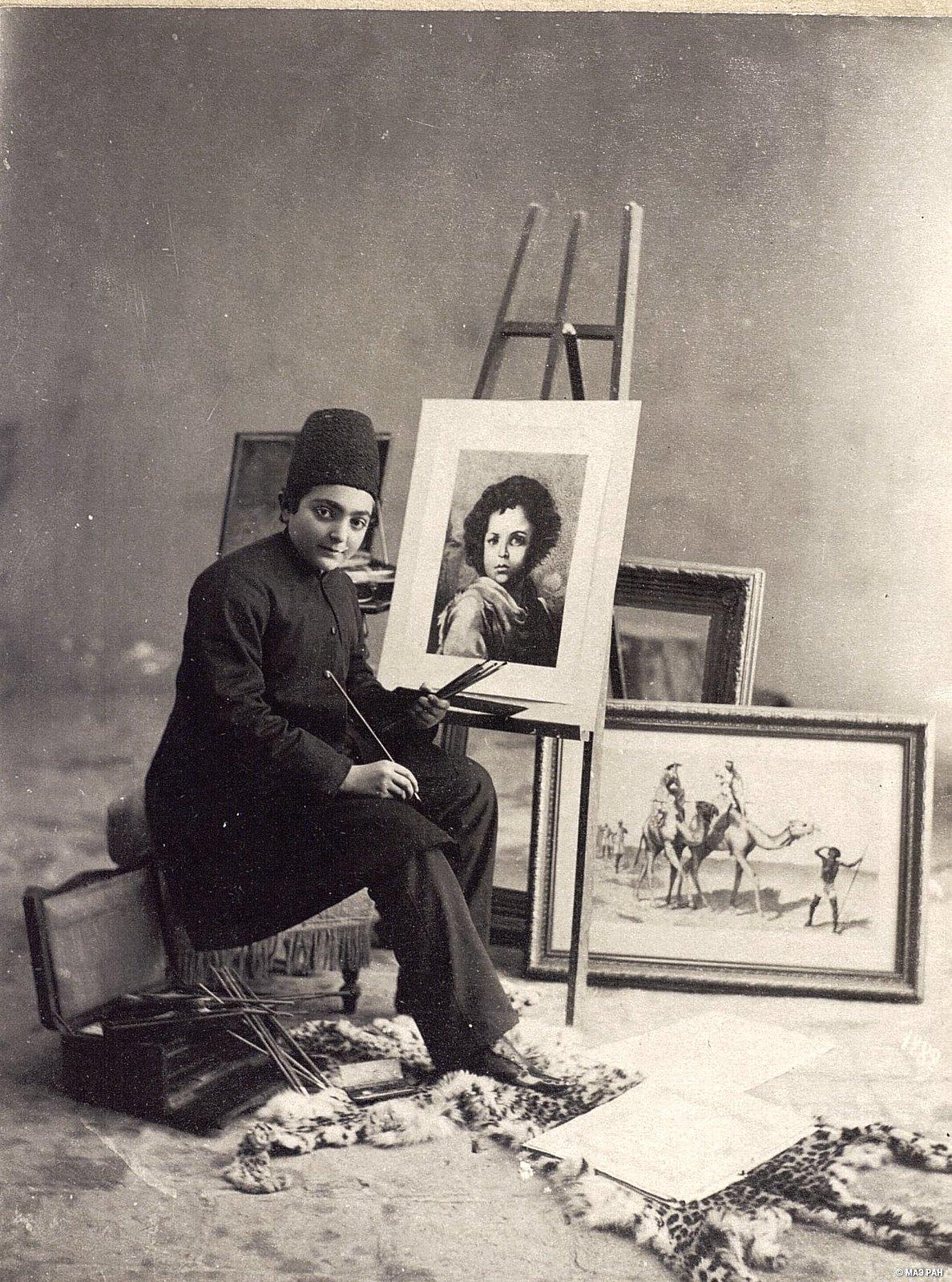 Захир Султан рисует портрет мальчика