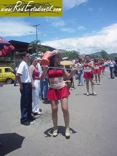 Bastoneras desfile 15 de setiembre 2004