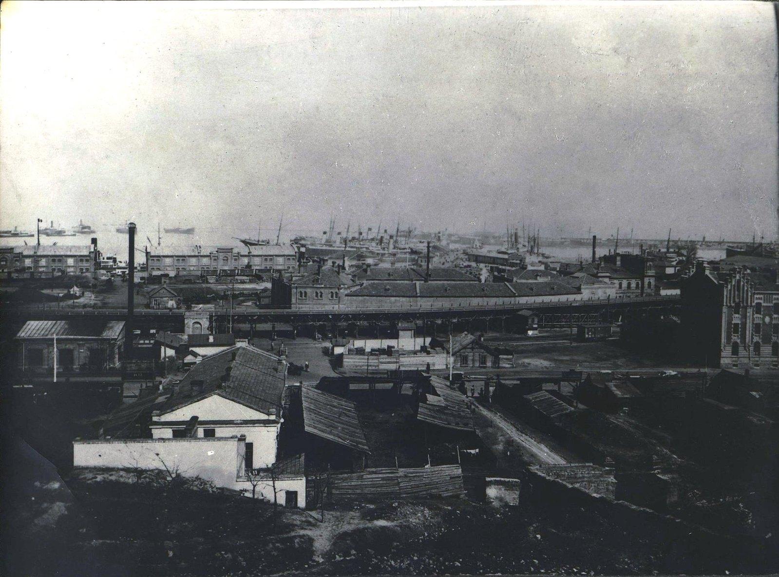 Вид Одесского порта.  Фотоателье Одесского дома офицеров. 1870.