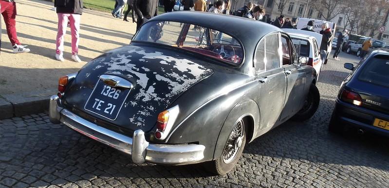 """Jaguar MK2 """" just out of the castel """"  -  Paris Vauban Janvier 2021 50822420997_f75756eb9a_c"""