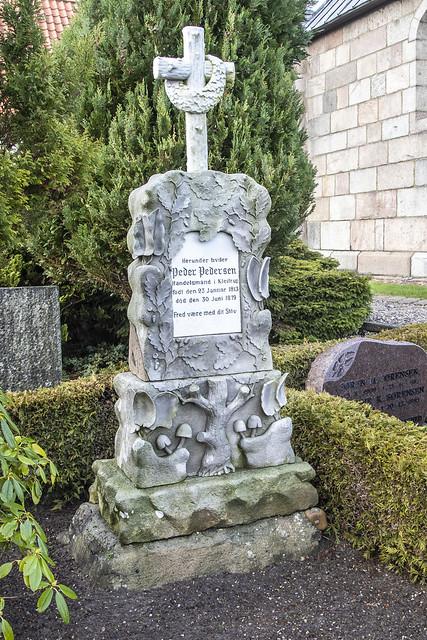 Handelsmand Peder Pedersens gravsten 1