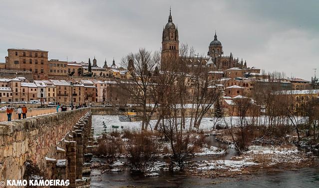caterdrales desde el puente, nieve