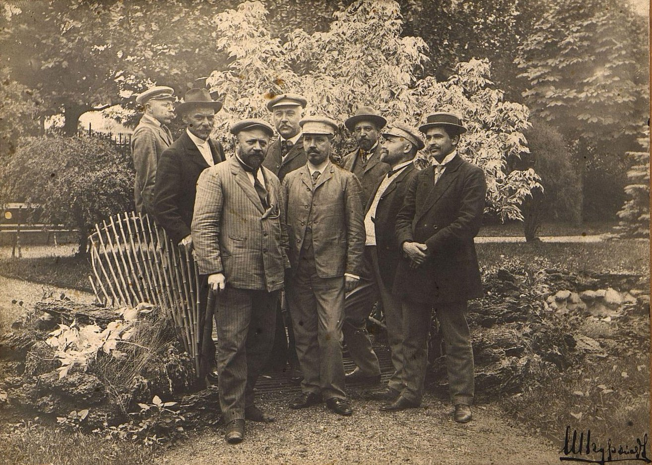 Служащие Одесского городского водопровода. 1909-1910 гг.