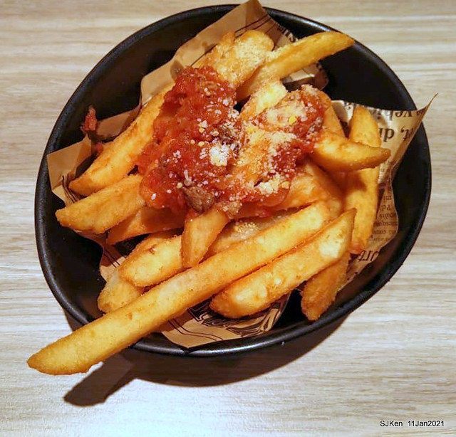 """Beef noodle , Meat sauce French fries, """"初面北"""
