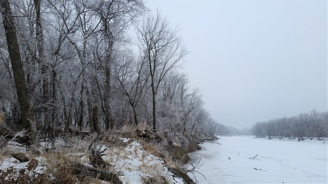 Minnesota River with rime ice, Chamberlain Woods SNA