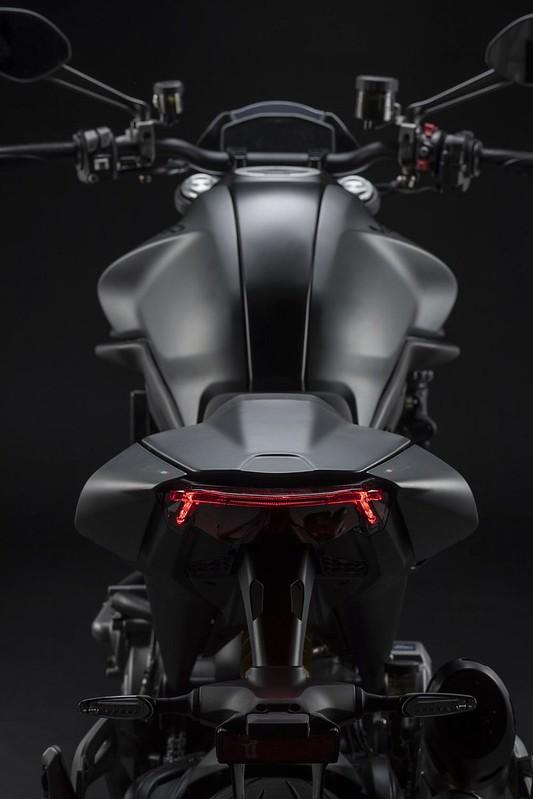 Ducati Monster 2021 BV