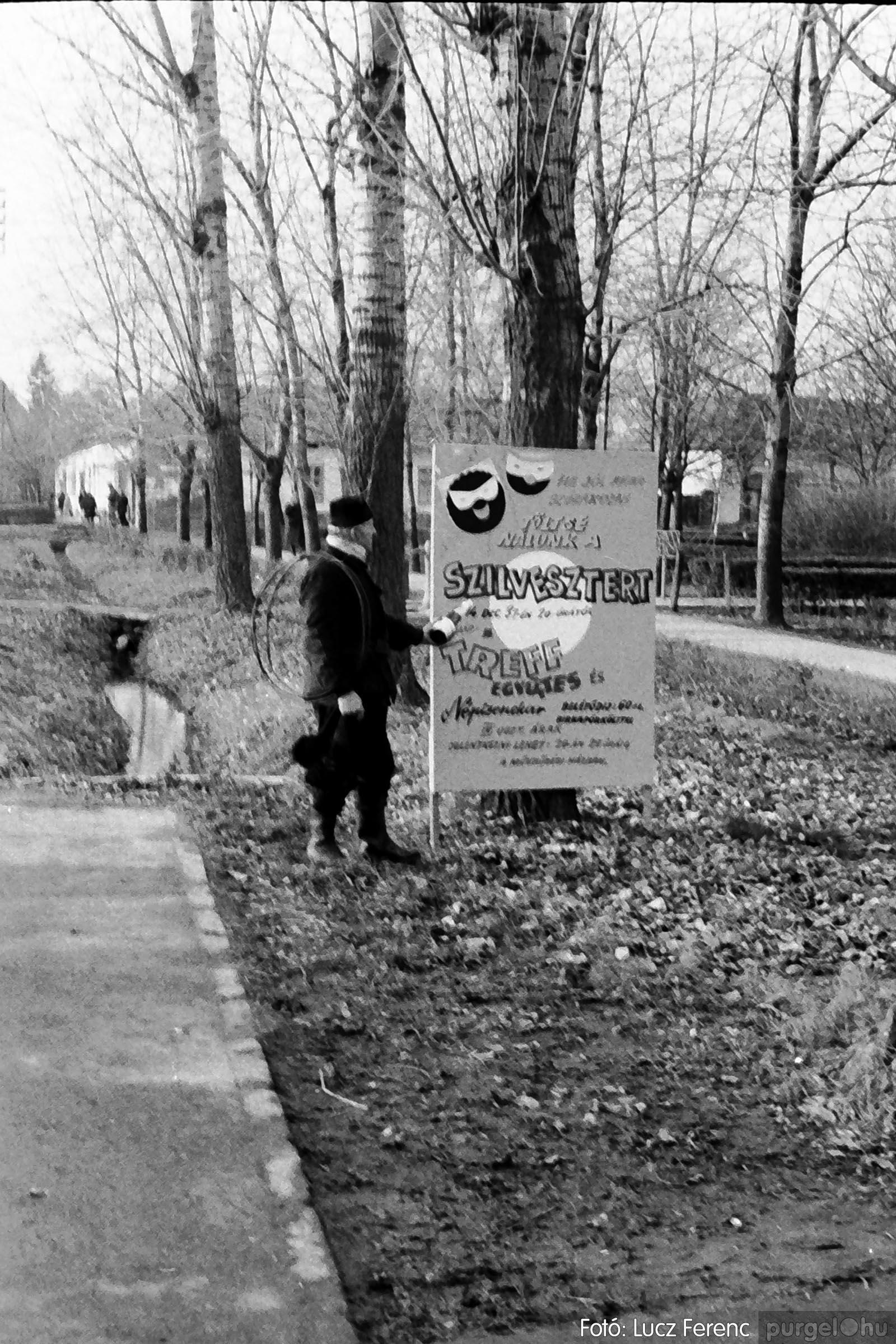 005 1974.12.31. Szilveszter 011 - Fotó: Lucz Ferenc - IMG00012q.jpg
