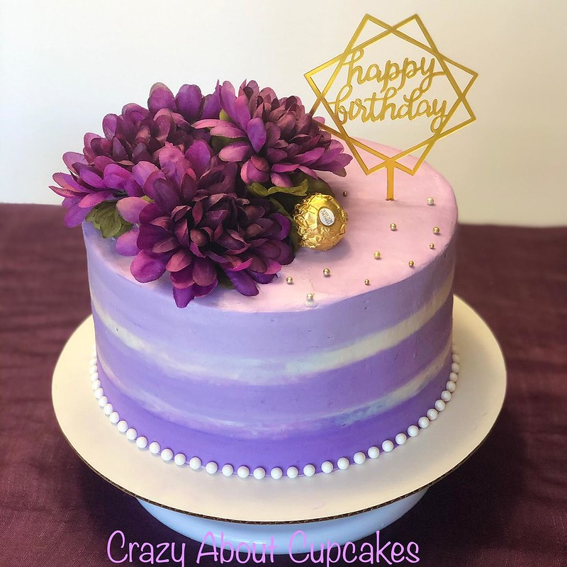 Cake by Crazy about CupCakes