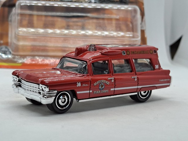 MATCHBOX 1963 CADILLAC AMBULANCE NO25 MATCHBOX FIRE DEPT. PARAMEDIC 1/64