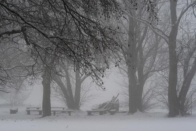Benches in the snow / Bänke im Schnee