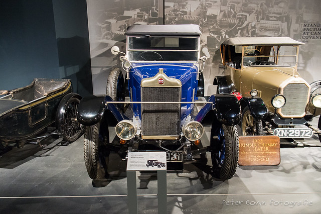 Standard Warwick Saloon - 1923