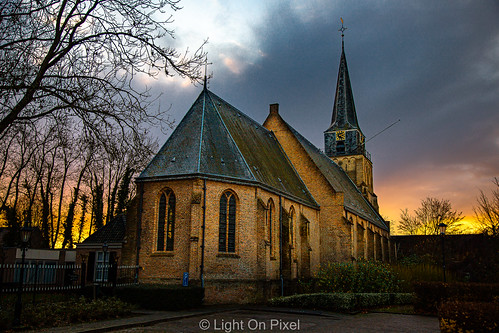 ef24105mmf4lisusm dorp village rural landelijk zuidholland nederland netherland hoekschewaard canon outdoor heinenoord sunset mood kerk church clouds lightroom sky canoneos6dmarkii
