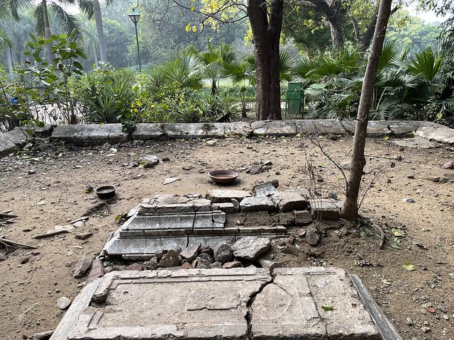 City Monument - Ruined Graves, Lodhi Garden
