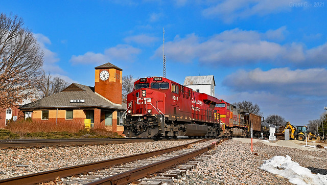 Southbound Unit Train in Lenexa, KS
