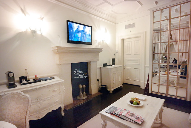 no 11 cadogan gardens suite tv