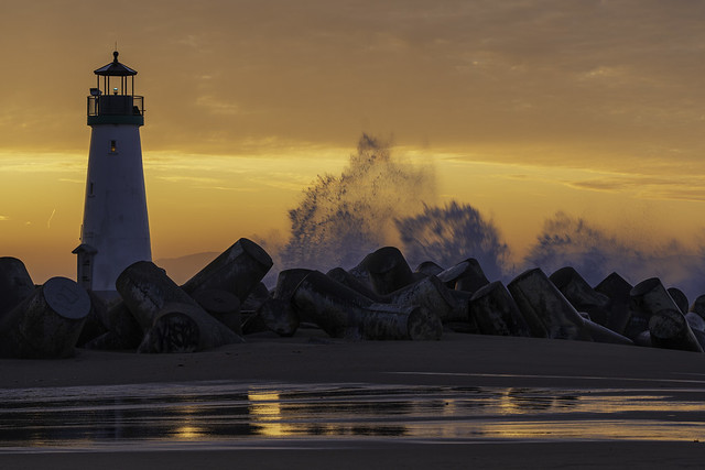 Walton Lighthouse Sunrise High Tide Santa Cruz California 01