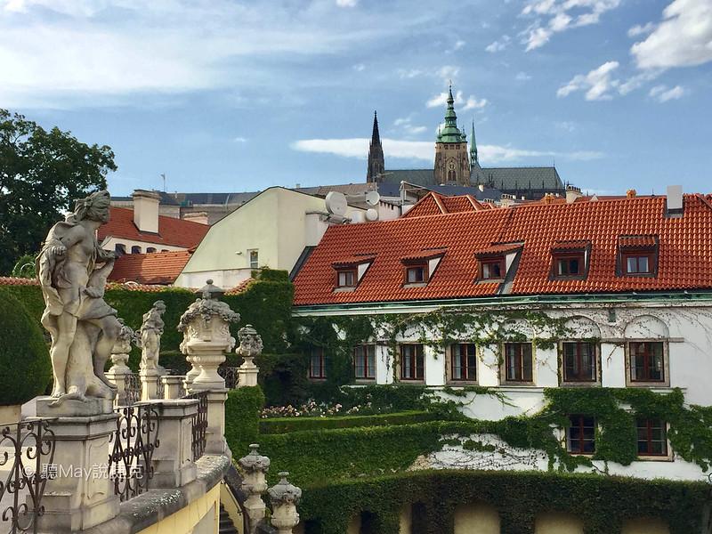 Vrtbovská zahrada castle view