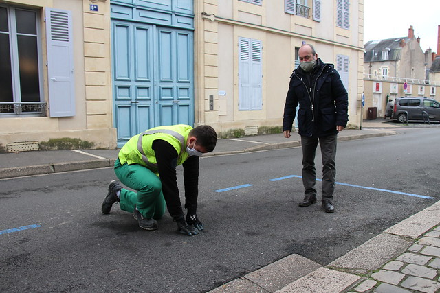 Installation capteur connecté rue Jean Desveaux (2021)