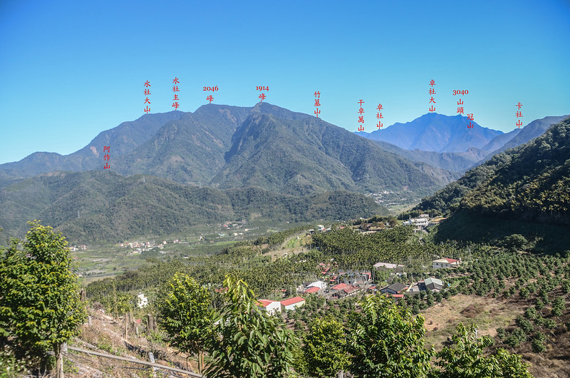 足鉾安產道(H 606 m)東北望水社大山、干卓萬卓社大山 1