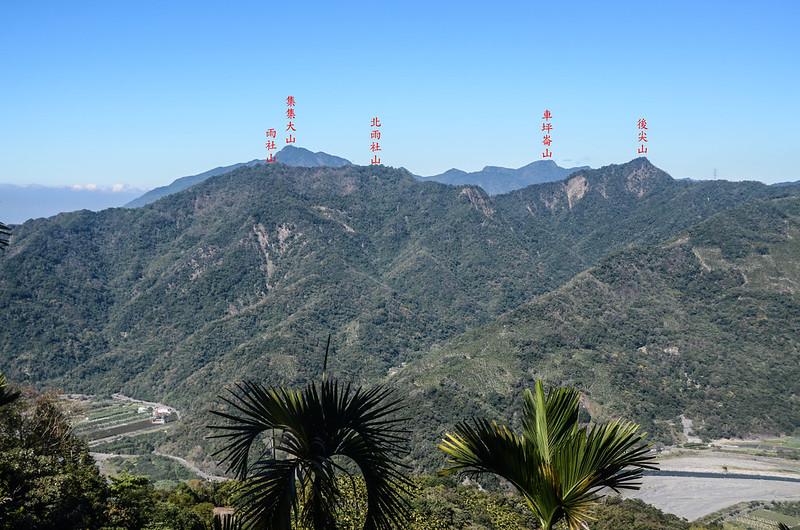 足鉾安山產道(H 875 m)北望群山 1-1