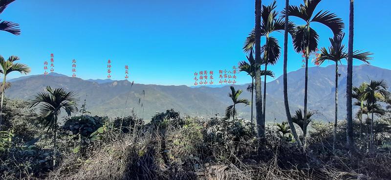 足鉾安山產道(H 875 m)北望群山 2-1