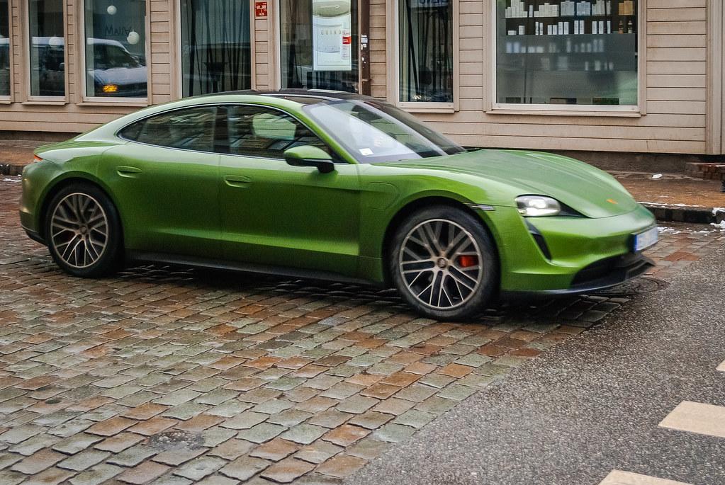 Cool car ! Зелененький он был!   DSC_9827