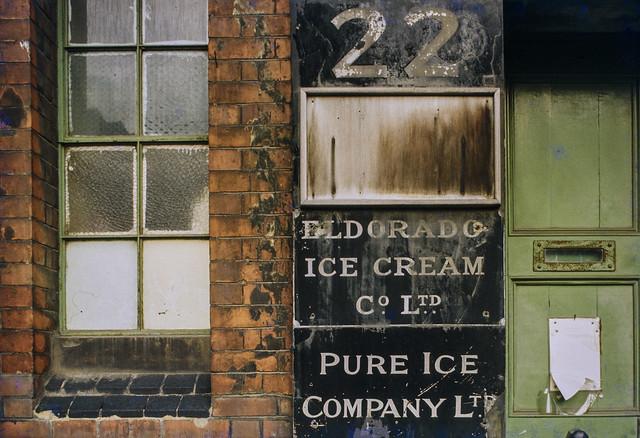 Eldorado Ice Cream, Bargehouse St,Southwark, 1980 80-Southwark-002