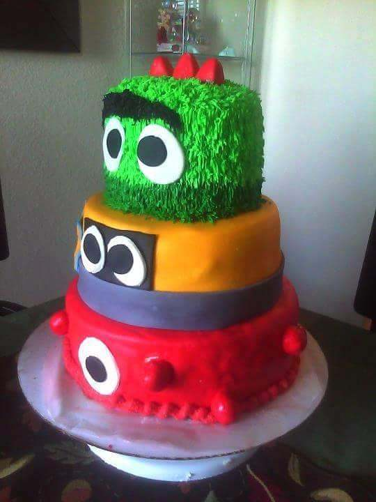 Cake by R&M Sweets