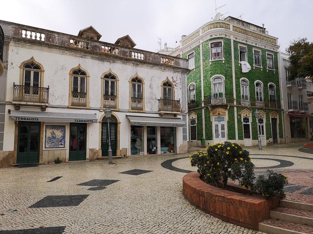 calle y casas en Lagos Algarve Portugal