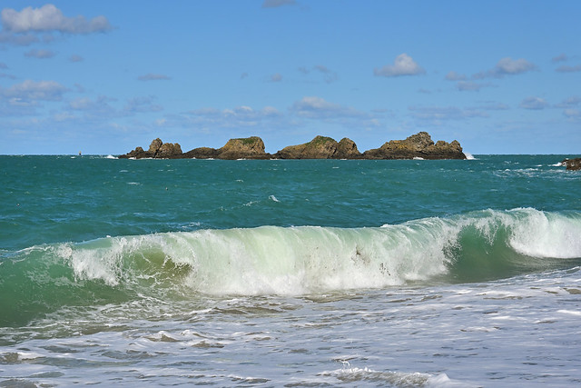 Saint-Malo / Rothéneuf / Wave and rocks