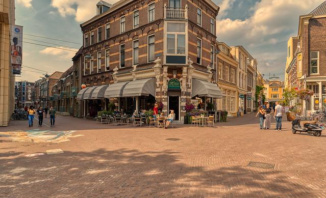 Intersection of Oude Oeverstraat and Kortestraat, Arnhem.