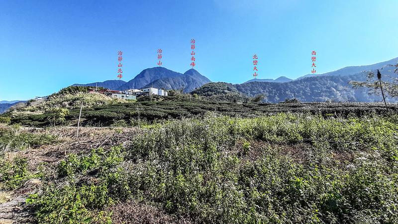 南雙龍山頂東南遠眺治茆、西巒等山 1-1