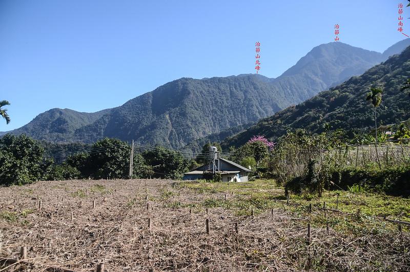 雙龍停車處東南望治茆山群峰 1