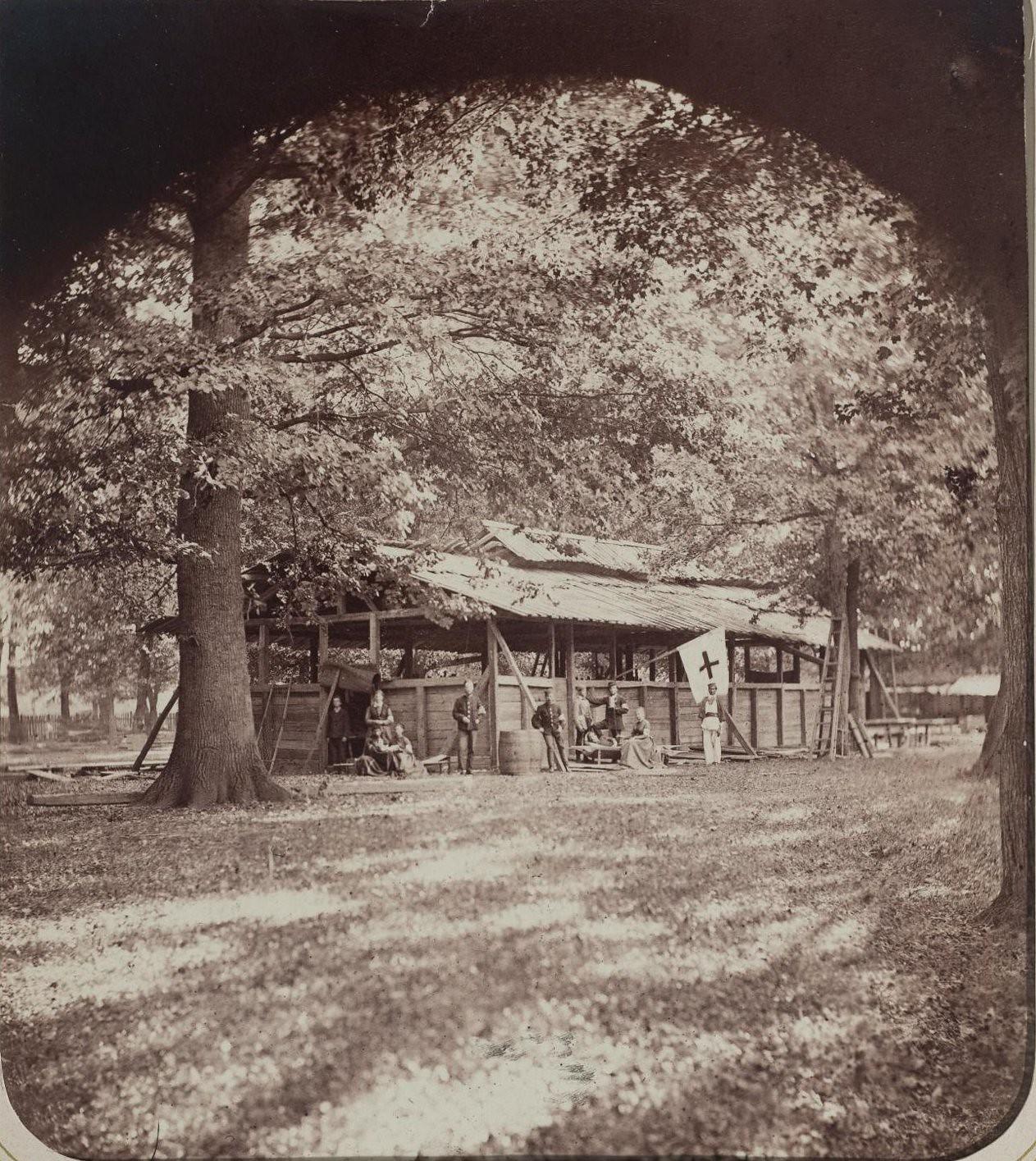 1876. Раненые сербы у временного лазарета