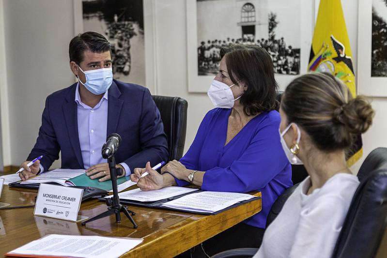 """""""Firma de Convenio para el Fortalecimiento del Bachillerato Técnico Agropecuario Autosostenible"""""""
