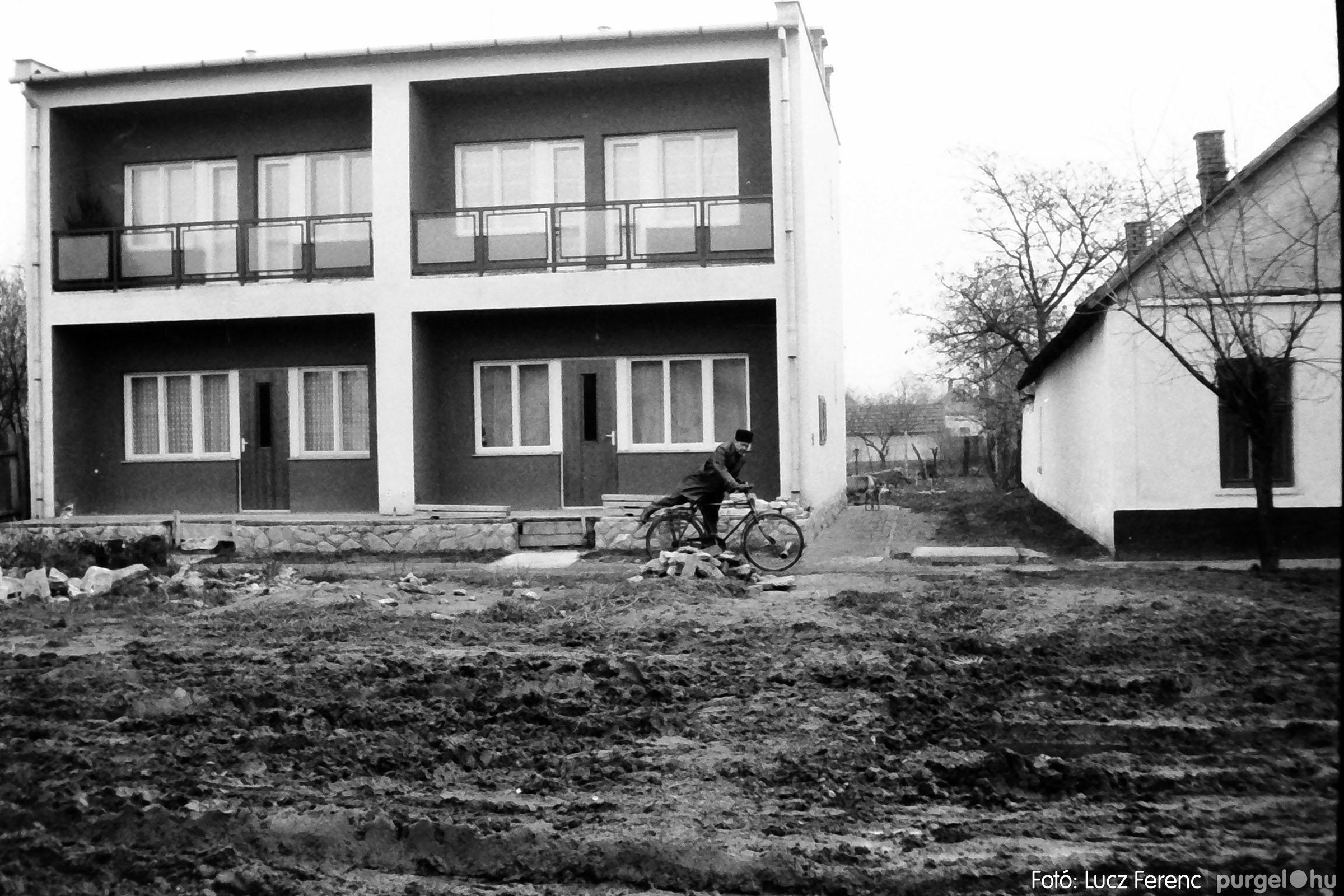 007 1975. Vegyes képek 020 - Fotó: Lucz Ferenc IMG00082.JPG