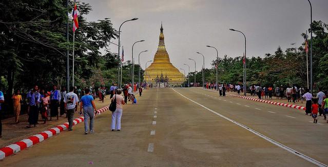 MYANMAR ,Burma , Naypyidaw /Hauptstadt, rund um die Friedenspagode-Uppatasanti-Pagode, 78130/13306