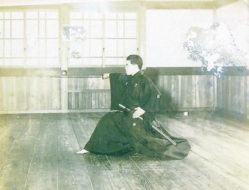 18 Representante de Musô Jikiden Eishin ryû iaijutsu Yamauchi Toyotake Hôken